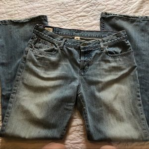 Women's Abercrombie & Fitch Jeans. 10R light wash